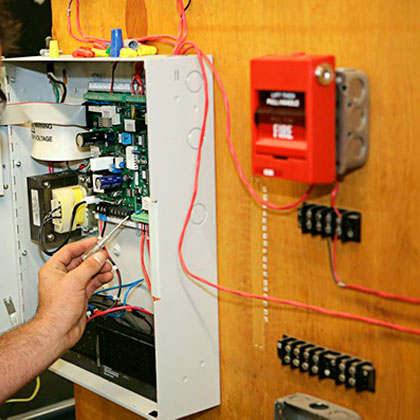 Профессиональная установка сигнализации в квартире